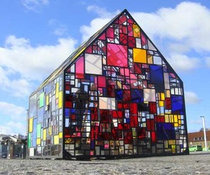 Beautiful-pavilion-by-tom-fruin-m