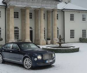 Bentleys-classic-mulsanne-model-gets-a-high-tech-upgrade-m