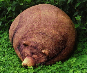 Big-sleeping-grizzly-bear-bean-bag-m