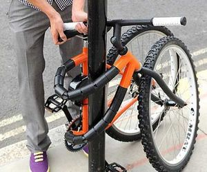 Bike That Can Bend Around A Pole | Kevin Scott