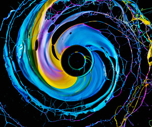 Black Hole  Paint in motion by Fabian Oefner 