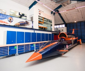 Bloodhound-super-sonic-car-m