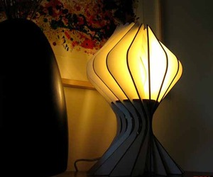 Bloom-table-lamp-from-alienology-m