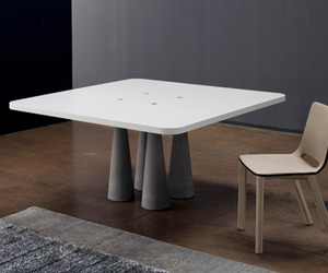 Bonaldo-still-table-m