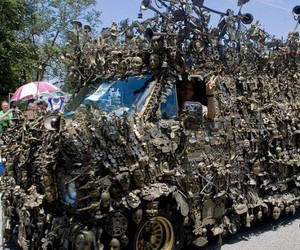 Brass-van-probably-worlds-heaviest-armed-auto-2-m
