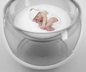 Bubble Baby Bed by Lana Agiyan
