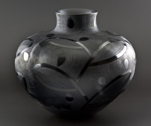 Burnished-vessel-by-ian-garrett-m