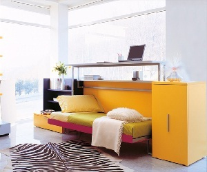 Cabrio-in-desk-and-bed-m