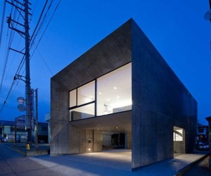 Cadre-house-by-apollo-architects-m