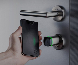 CalypsoKey – NFC Powered IPhone Case