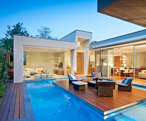 Canterbury-house-with-a-gorgeous-pool-by-canny-architects-m