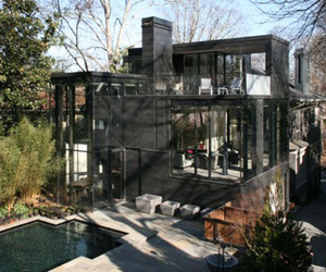Captivating-glass-house-features-creative-design-m