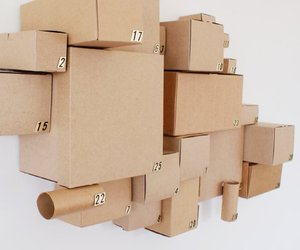 Cardboard-cluster-calendar-with-gift-included-m
