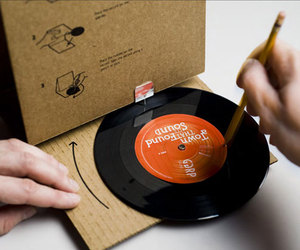 Cardboard-record-player-m