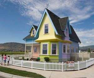 Carl-and-ellie-s-dream-house-m