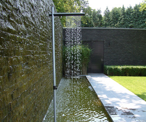 Cascade-outdoor-shower-m
