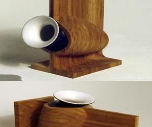 Ceramic-and-wood-vases-m