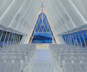 Chapel-in-hong-kongs-discovery-bay-by-danny-cheng-m