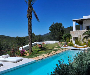 Charming-and-rustic-art-filled-ibizan-farmhouse-can-agnes-m