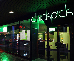 ChickPick Restaurant Interiors by MERZ Arquitectos