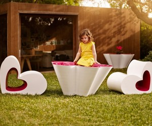 Childrens-furniture-by-agatha-ruiz-de-la-prada-for-vondom-m
