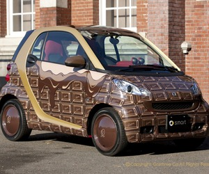 Chocolate-car-from-mercedes-benz-2-m