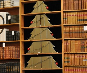 Christmas-tree-of-re-purposed-books-m