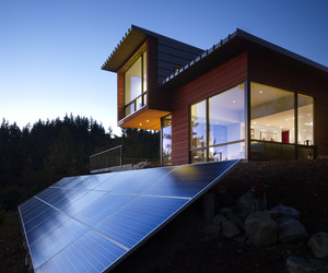 Chuckanut-ridge-house-designed-by-prentiss-architects-m