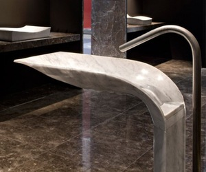 Ciuri-noble-marble-pedestal-sink-by-lithea-m