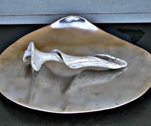Clamshell-platter-m
