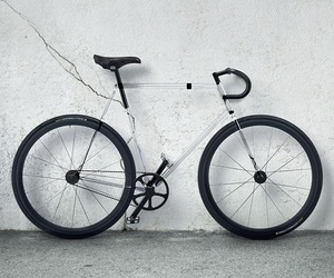 Clarity-bike-by-design-affair-studio-m