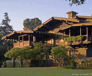 Classic-house-design-m