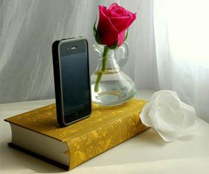 Classic-novel-iphone-docks-m