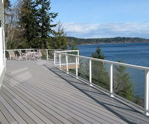 Clearvue-residential-railing-from-hansen-arch-systems-inc-m