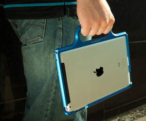 Colorware-grip-case-for-apple-ipad-in-gear-m