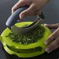 Compact-herb-chopper-s