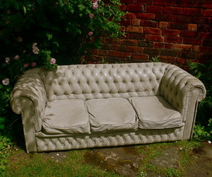 Concrete-chesterfield-sofa-m