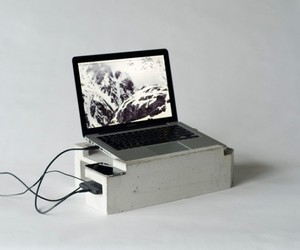Concrete-laptop-workstation-by-greg-papoves-m