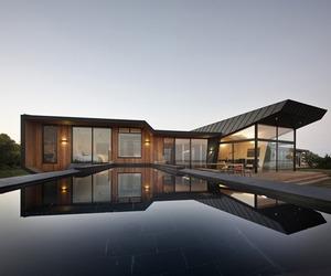 Contemporary-beach-house-in-australia-m