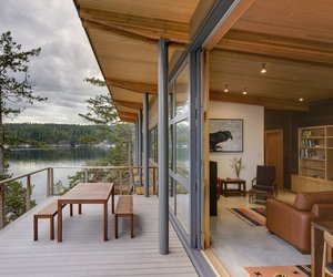 Contemporary-cabin-on-cortes-island-m