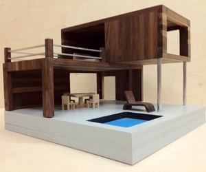 Contemporary-dollhouse-m