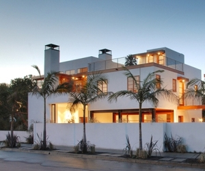 Contemporary-house-in-venice-beach-california-m