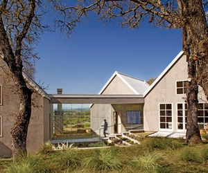 Contemporary Napa Vineyard House by Remick Associates