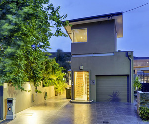 Contemporary-three-story-house-in-brisbane-m