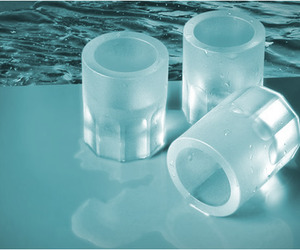 Cool-shooters-ice-shot-glasses-m