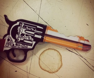 Cowboy-six-shooter-door-key-m