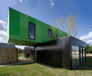 Crossbox-eco-friendly-house-by-cg-architects-m