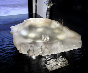 Crystal-bathtub-baldi-m