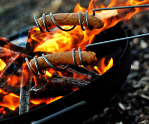 Curly-hot-dog-roasting-sticks-m