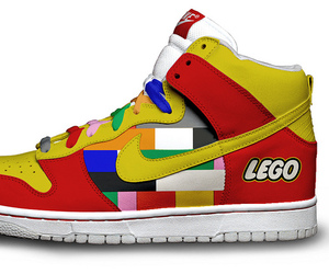 Custom-pop-culture-nikes-m